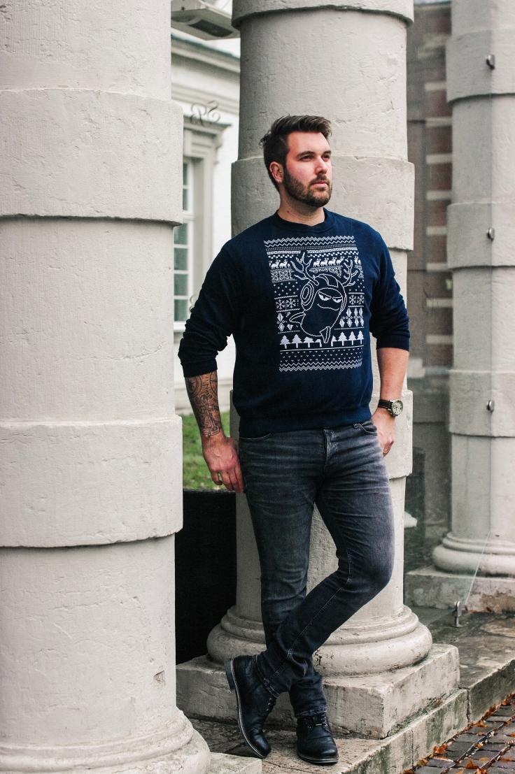 uglychristmassweater (1)